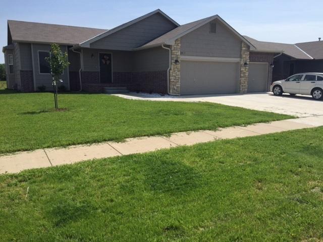 10915 W Hollywood St, Wichita, KS 67215