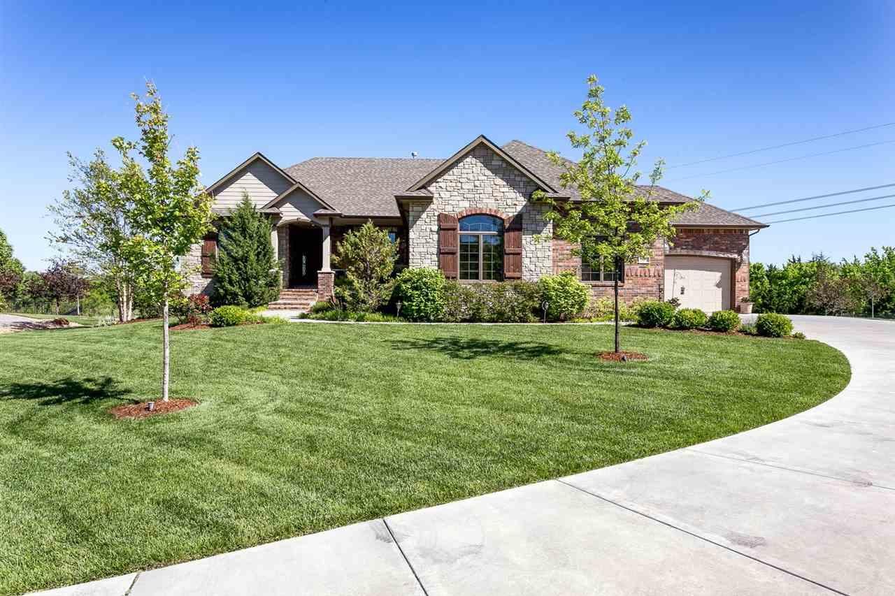 1802 N Glen Wood Circle, Wichita, Kansas 67230