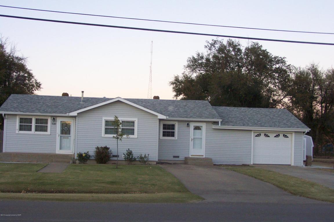 108 Third St W, Claude, TX 79019