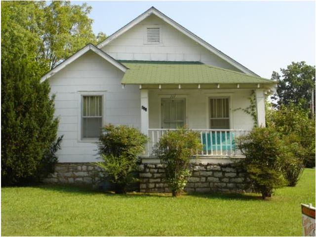111 Maplewood Dr, Shelbyville, TN 37160