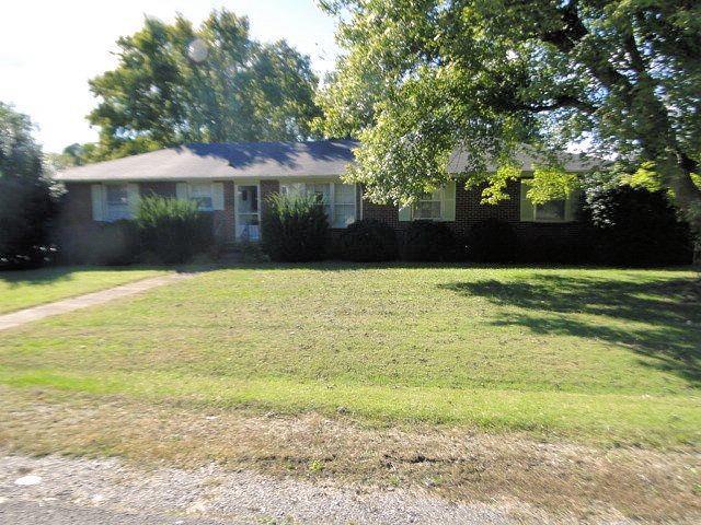 100 S Linda Dr, Shelbyville, TN 37160