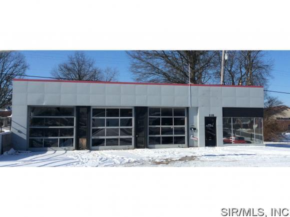 218 EDWARDSVILLE Road, Troy, IL 62294