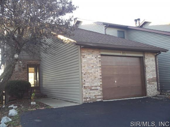 135 SANDRIDGE Drive, Collinsville, IL 62234