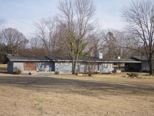 Clarksville, VA 23927