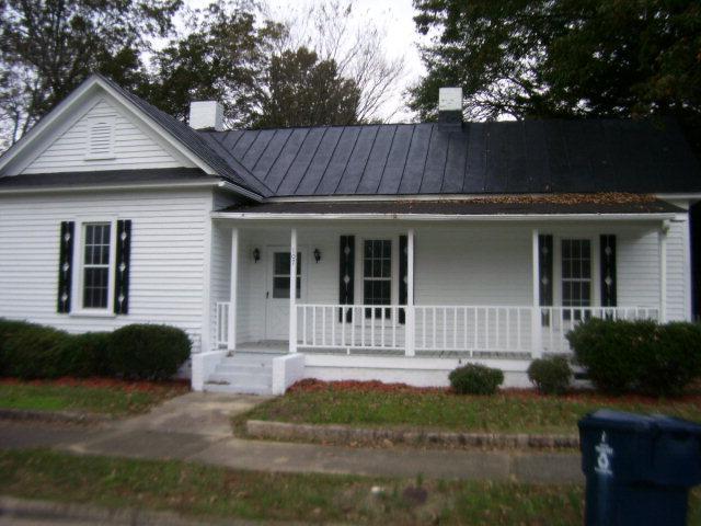 107 W Main St, Fremont, NC 27830