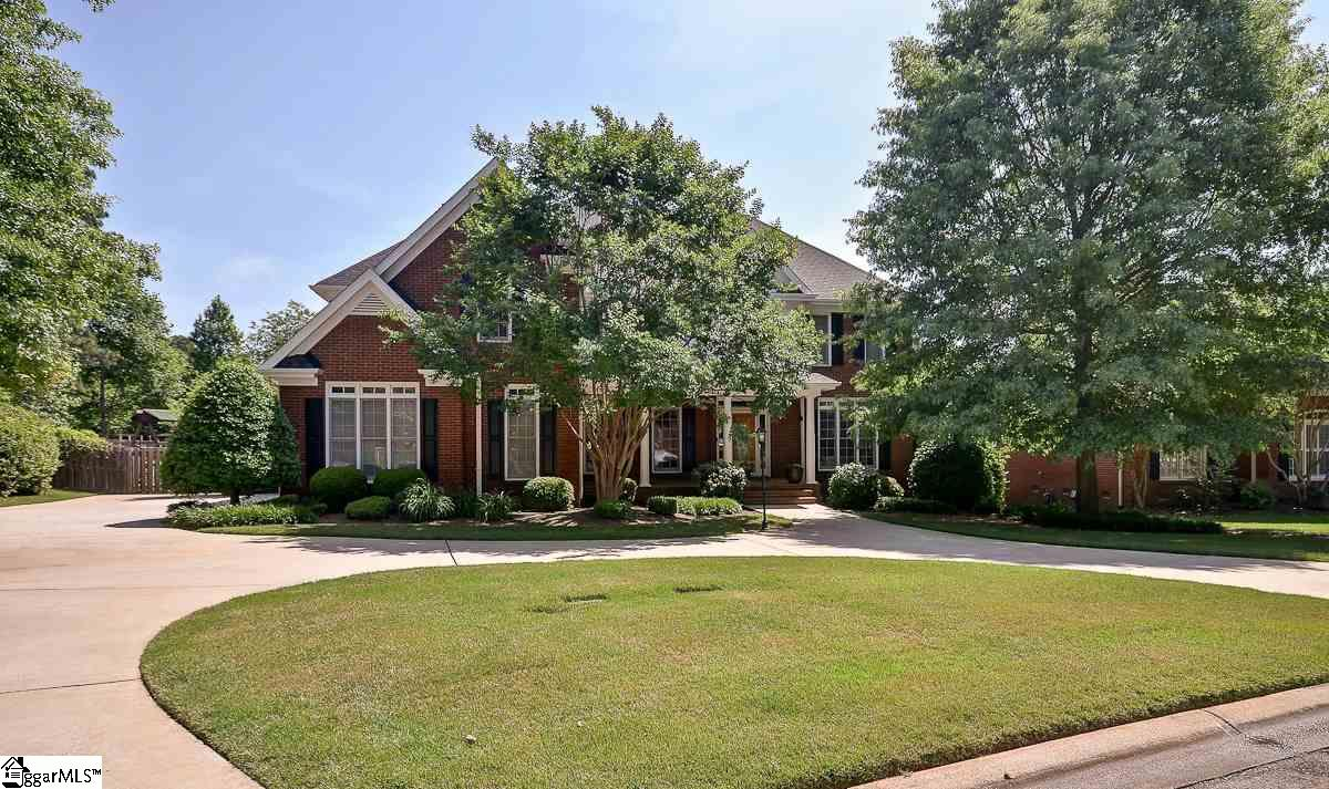 204 Winter Brook Lane, Simpsonville, SC 29681