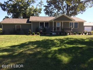168 Carter, Elkville, IL 62932