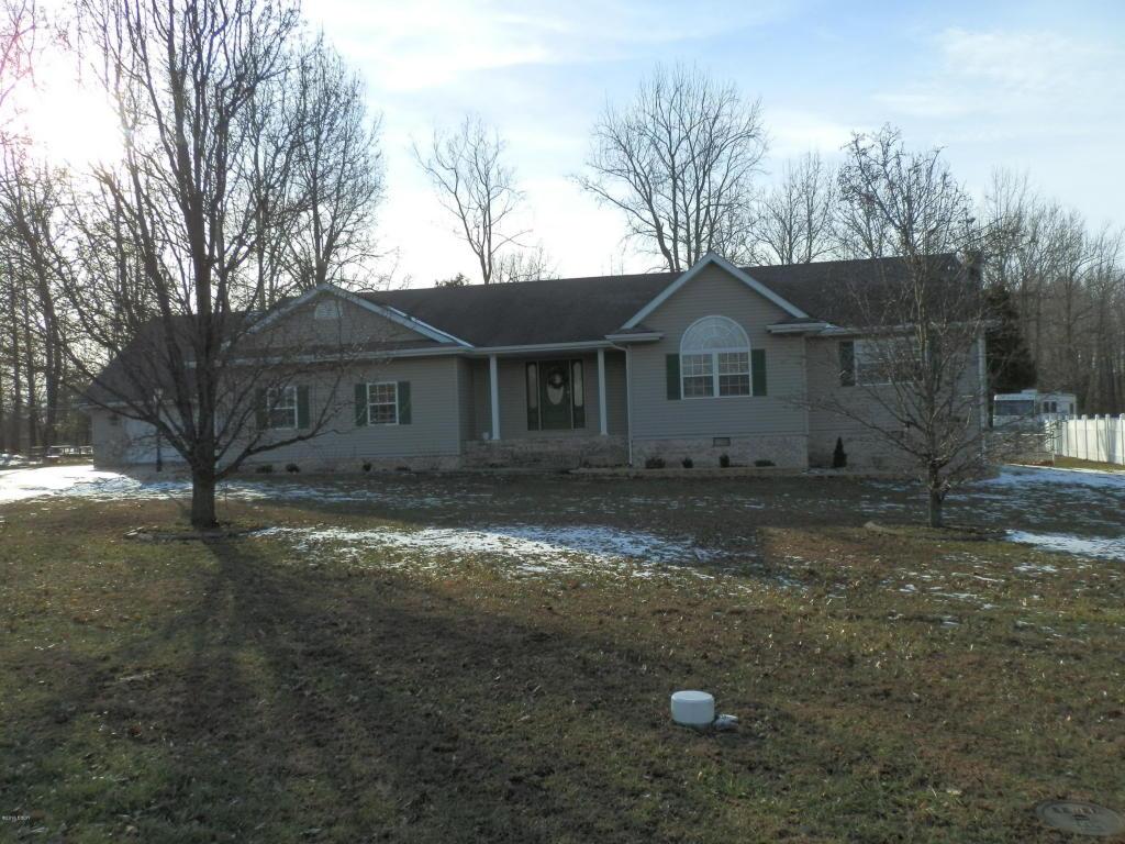 2002 Emily Lane, Marion, IL 62959