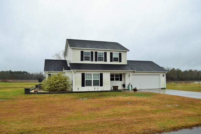 103 HALL EFFECT LANE, Maple Hill, NC 28454