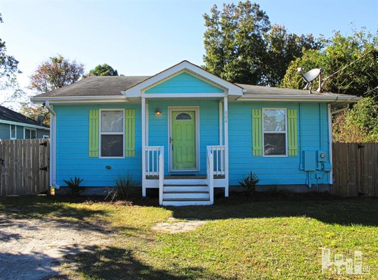 804 S 6th Street, Carolina Beach, NC 28428
