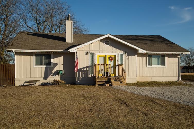 7920 Seneca Lake RD, Ozawkie, KS 66070