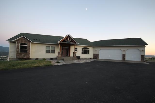 7009 N Lynden Ln, Otis Orchards, WA 99027