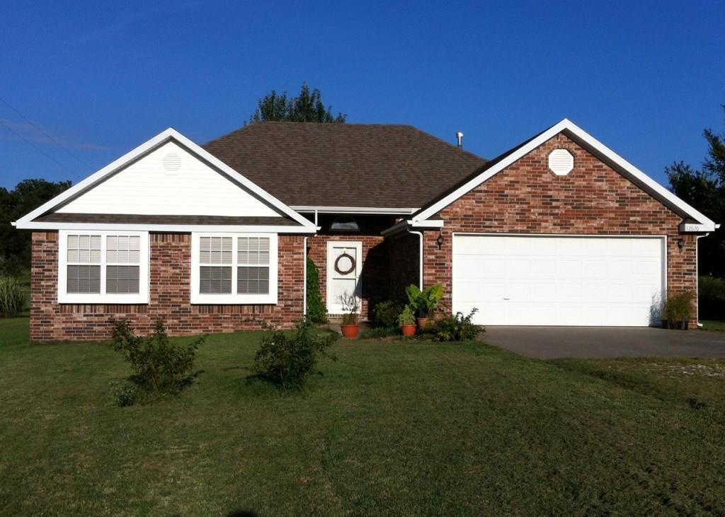 12670 Hogeye Rd, Prairie Grove, AR 72753