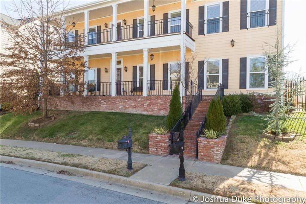 1623  E Cypress  LN , Fayetteville, AR 72703