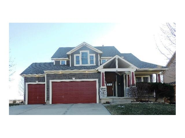 15821 Linden St, Overland Park, KS 66224