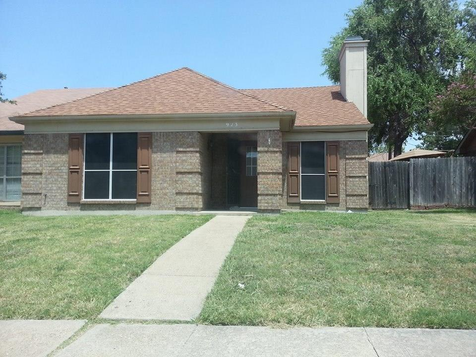 923 Binbrook DR, Mesquite, TX 75149