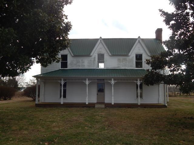1076 Old Willis McGinnis Rd, Smithville, TN 37166