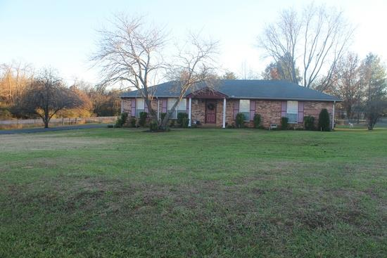 212 Edgewood Dr, Smyrna, TN 37167
