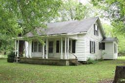 2041 W Lincoln St, Tullahoma, TN 37388