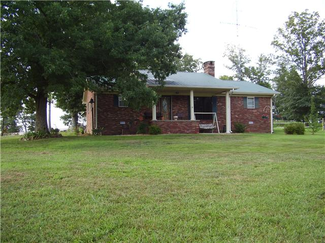 448 Old Stage Rd, Mcewen, TN 37101