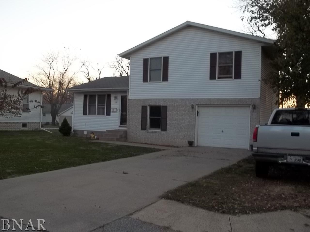 1341 N Locust, Pontiac, IL 61764