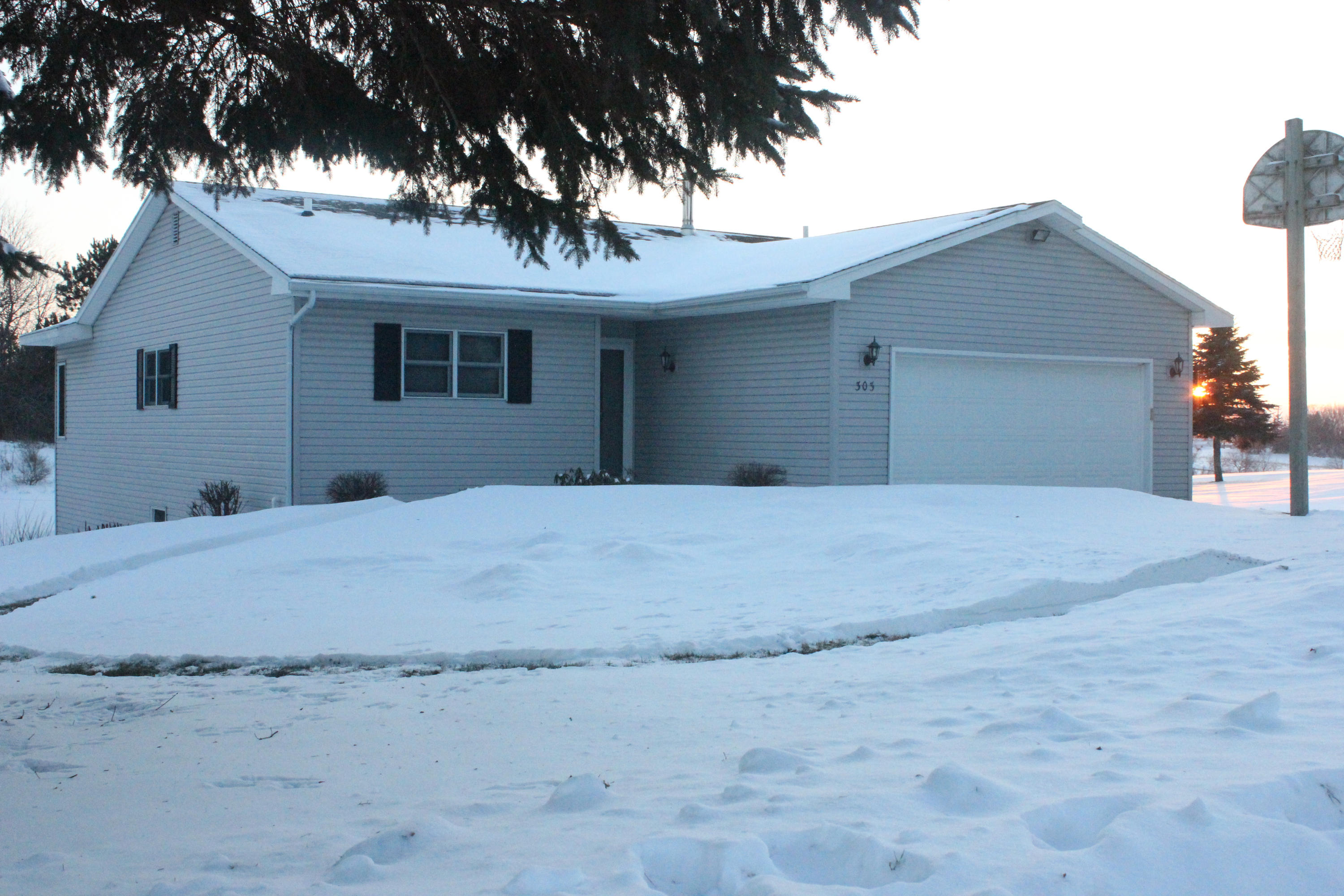 303 Ulland, Westby, WI 54667