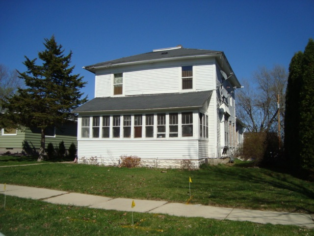 1618 STOUGHTON AVE, Tomah, WI 54660