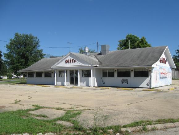 1121 DeWitt Ave., Mattoon, IL 61938