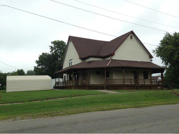 125 W Lincoln, Westfield, IL 62474