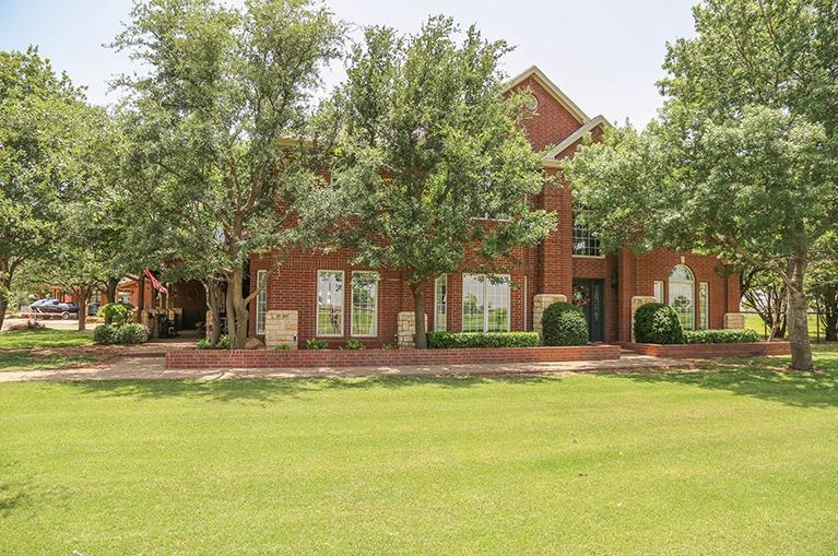 9301 County Road 7100, Wolfforth, TX 79382