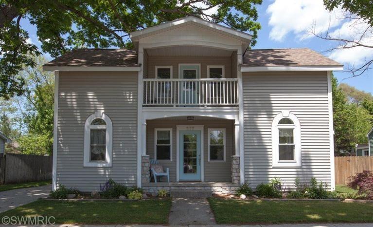 227 E River Street, Spring Lake, MI 49456