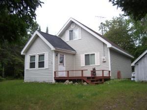 38932 Scammon Pt, Drummond Island, MI 49726
