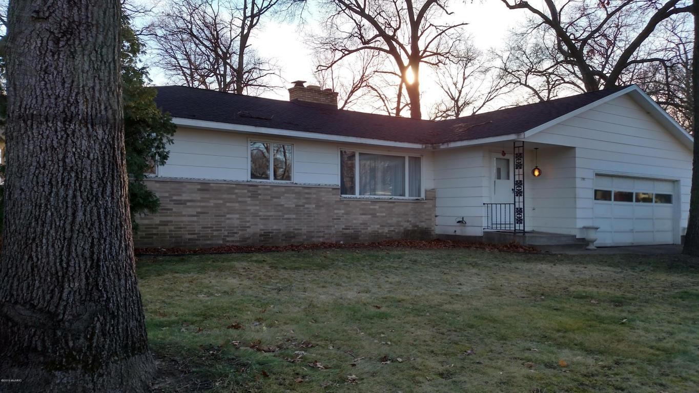1781 Southland Drive, Muskegon, MI 49442