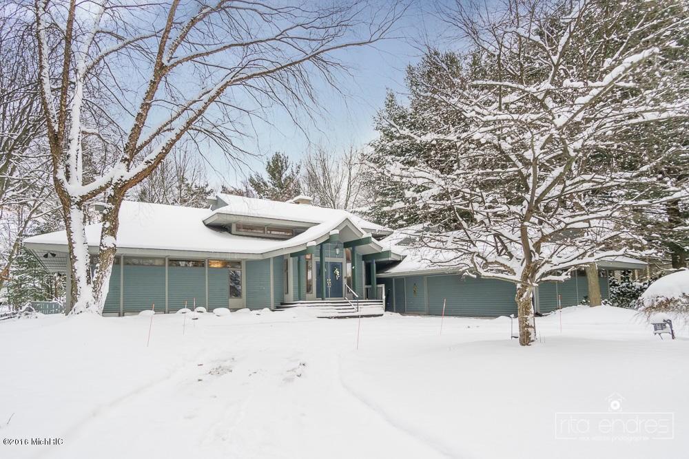 16000 Baird Drive, Spring Lake, MI 49456