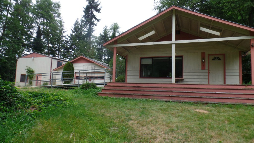 675 Ohop Valley Extension Rd N, Eatonville, WA 98328