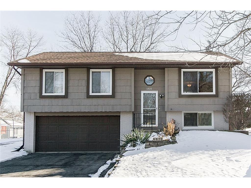 6820 Stonybrook Lane NE, Cedar Rapids, IA 52402