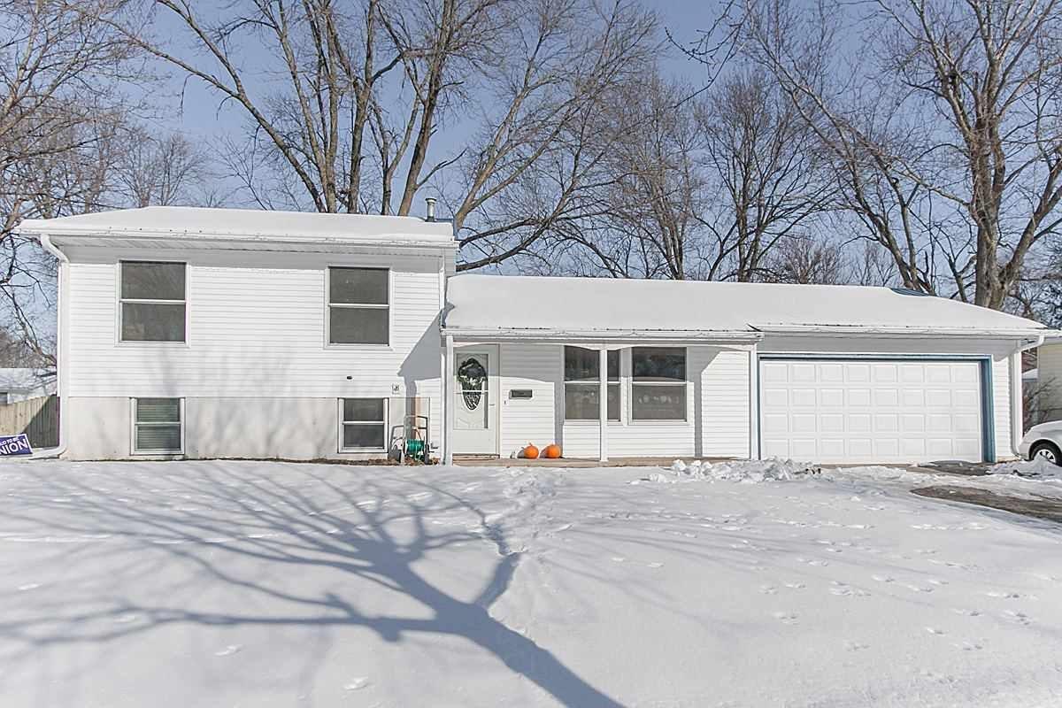 5642 Plainview Dr NW, Cedar Rapids, IA 52405
