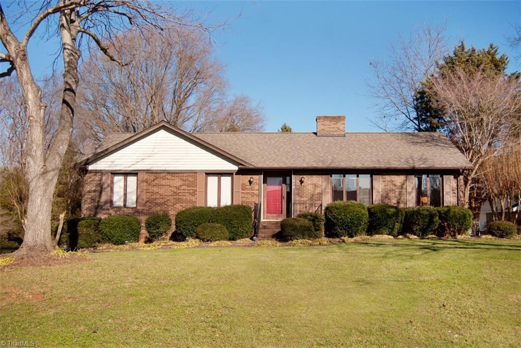 1870 Meadow Glen Lane, Winston Salem, NC 27127