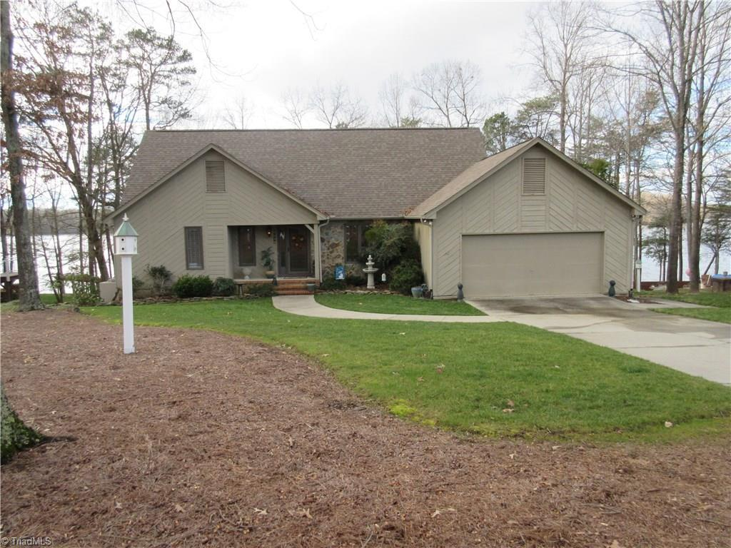 3905 Oak Hollow Drive, High Point, NC 27265