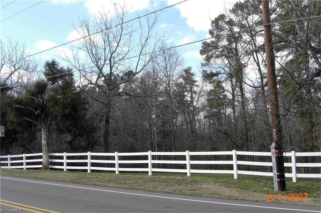 411-413 Main Street E, Jamestown, NC 27282