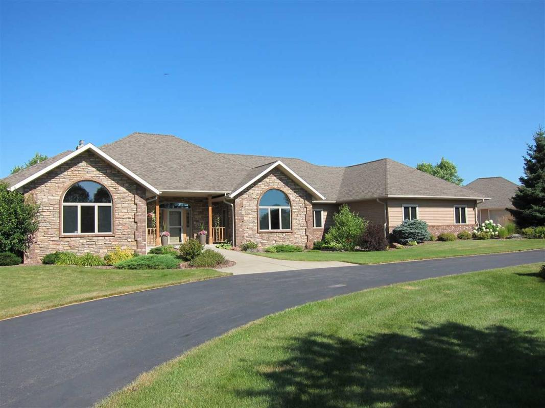 M203 CANDLEWOOD COURT, Marshfield, WI 54449