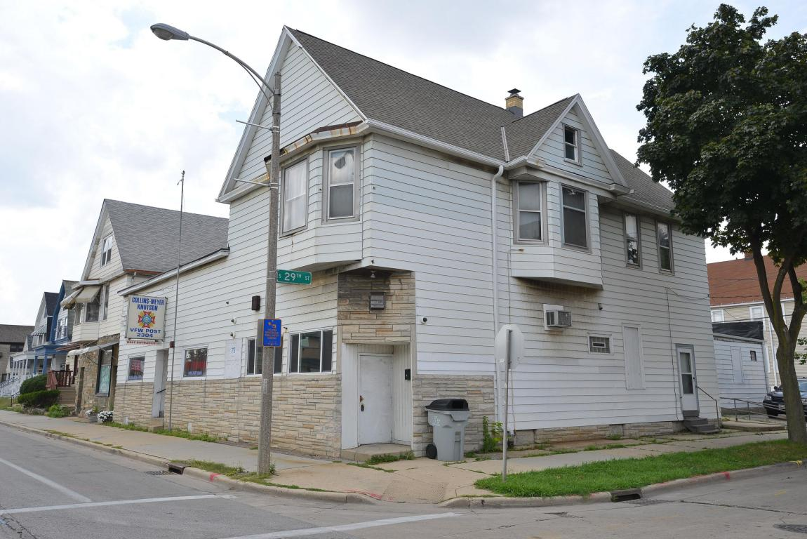 2900 W Lincoln Ave, Milwaukee, WI 53215