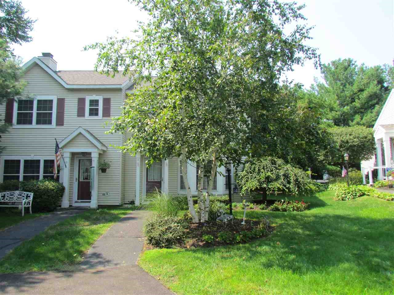 8 HILLTOP CT, North Troy, NY 12182-1666