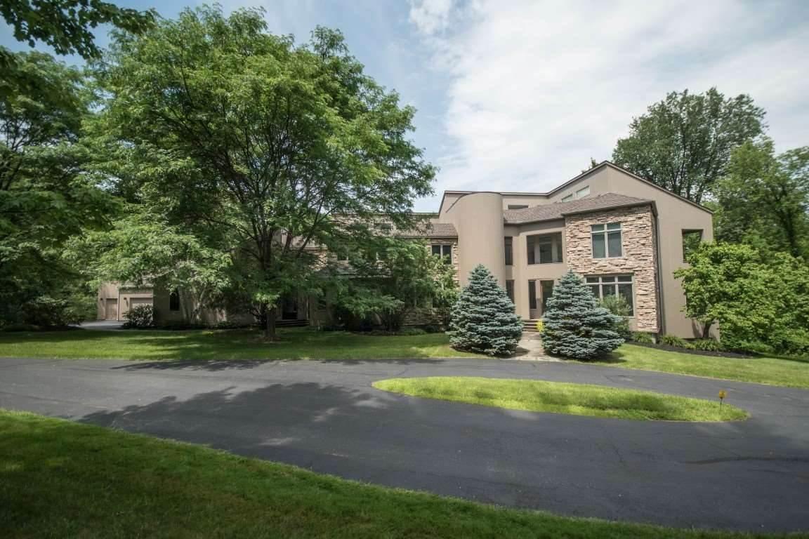 215 FOREST HAVEN DR, Guilderland, NY 12159