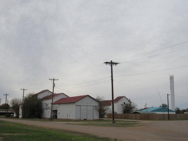 201 E 1st St, Miles, TX 76861