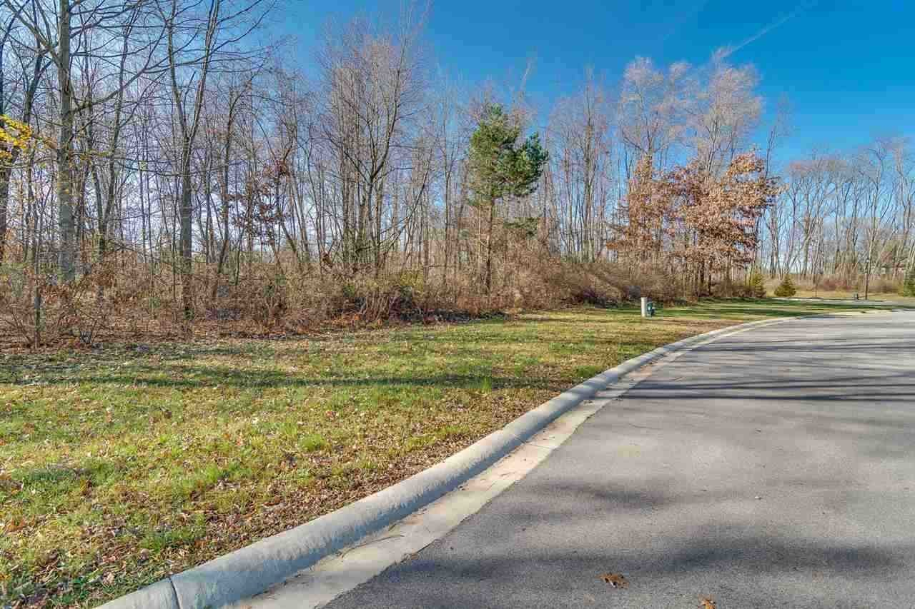 50961 Forest Lake Trail, South Bend, IN 46628