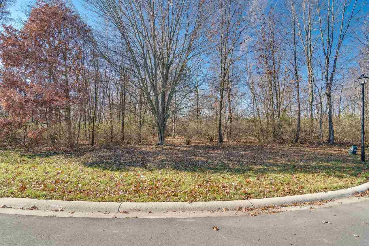 50821 Forest Lake Trail, South Bend, IN 46628