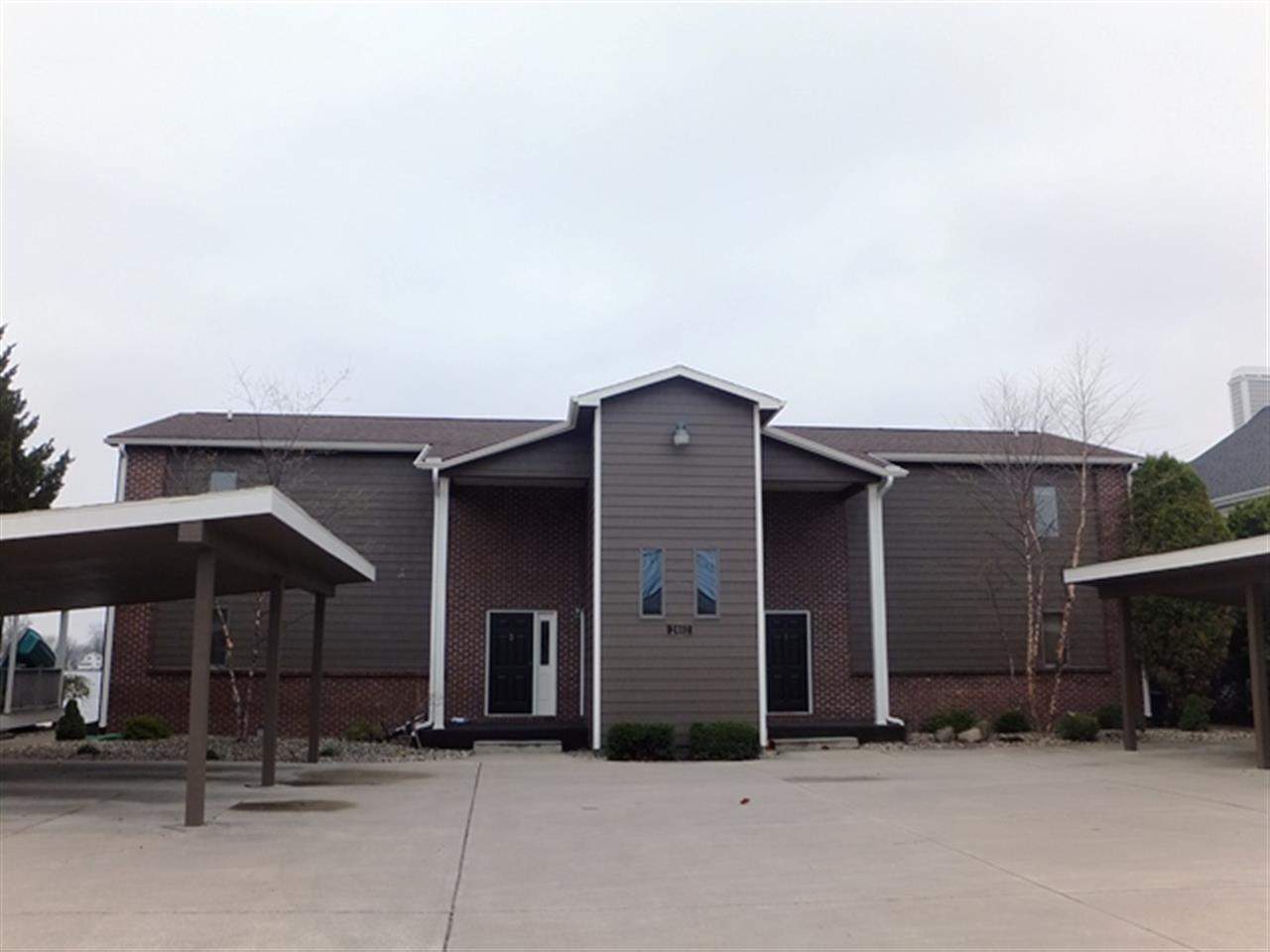 2402 E Winona Avenue, Winona Lake, IN 46590