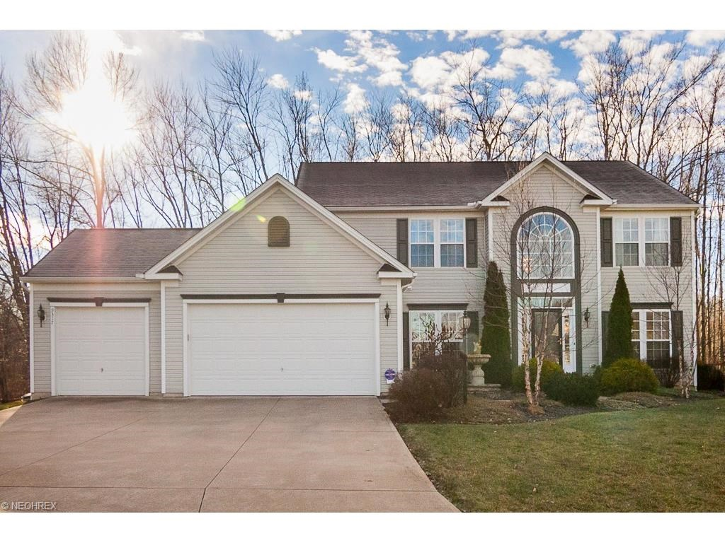 9317 Stonebriar Ln, North Ridgeville, OH 44039