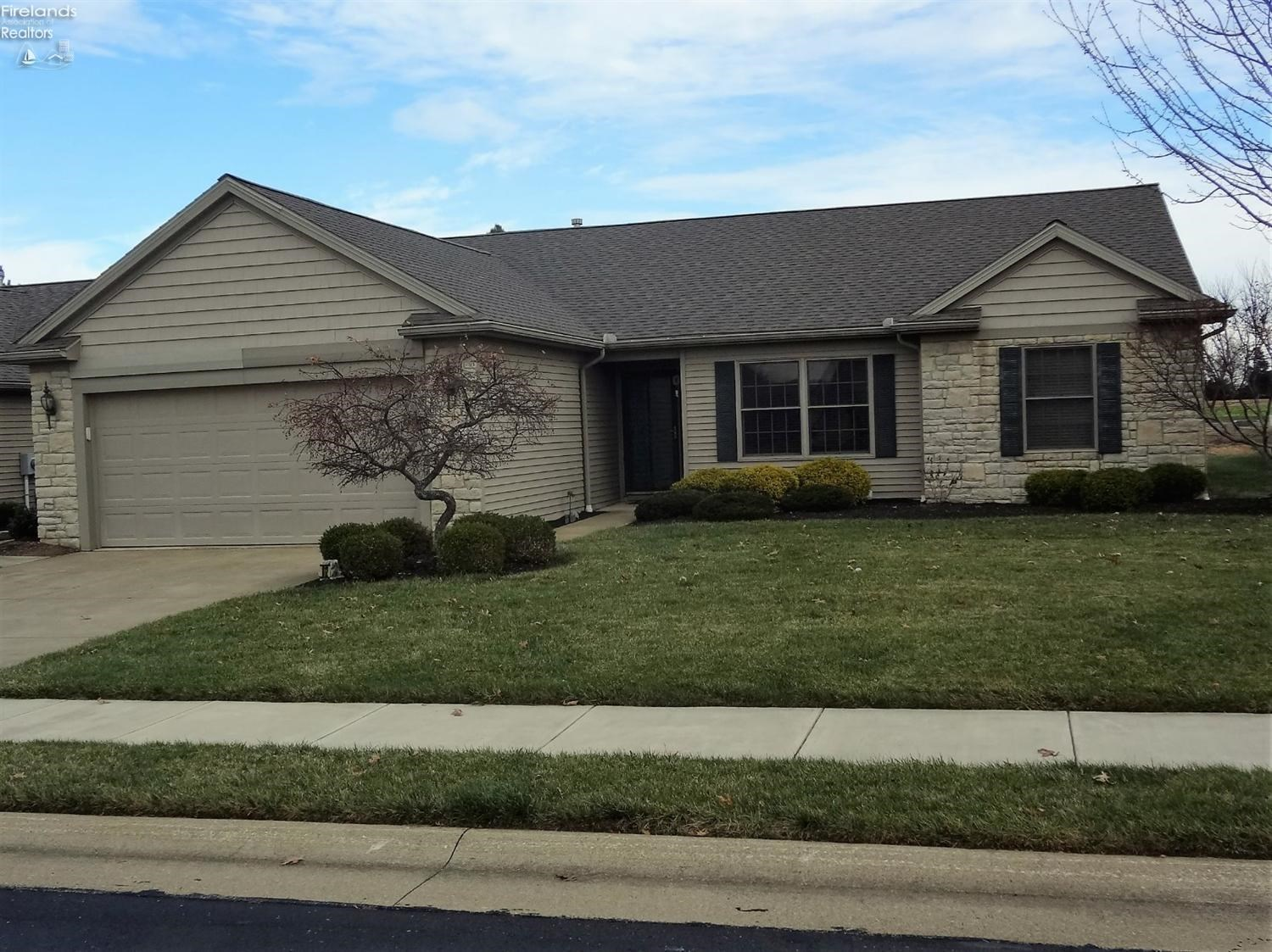 1812 Lake Forest Drive, Huron, OH 44839